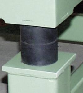 Netter Vibration NRE 25/30 Keménység 43 °sh Berugózás (max.) 3.9 mm Max. sztatikus terhelés 20 kg Netter Vibration