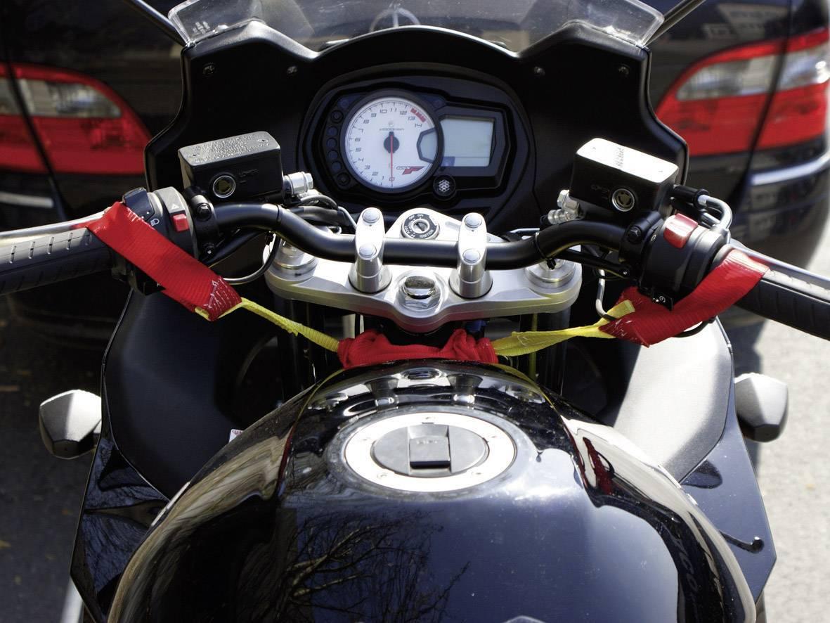 A külső motor tömlője beakasztható