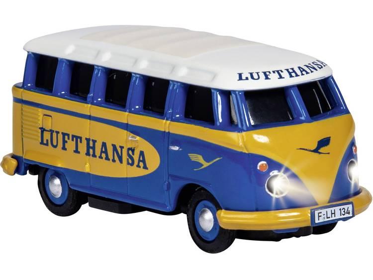 carsonmodellsport Carson Modellsport 500504134 VW Bus T1 Samba Lufthansa 1:87 RC auto Elektro Straatmodel Achterwielaandrijving Incl. accu, oplader en batterijen voor de zender
