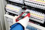 Multifunctionele leidingzoeker AT-6020-EUR voor zoeken naar spanningvoerende en spanningvrije leidingen, herkenning van contactverbrekers en zekeringen