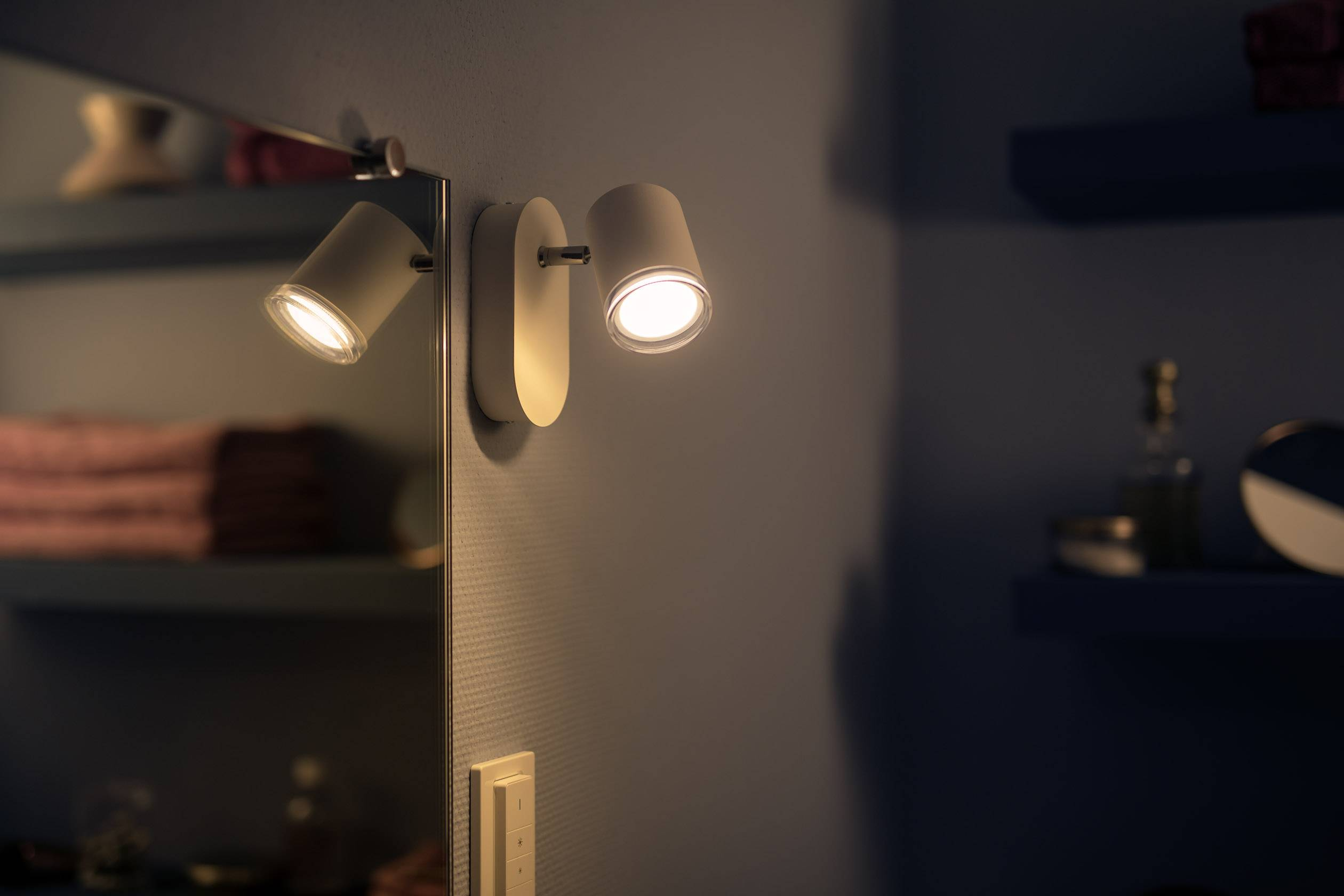 Stroomverbruik Hue Lampen : Philips lighting hue led spiegellamp met dimmer adore gu10 5.5 w