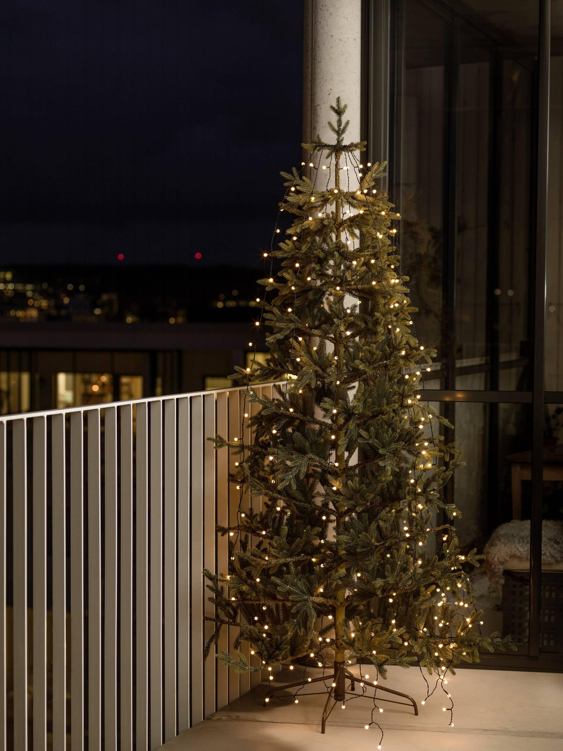 led boommantel binnenbuiten werkt op het lichtnet 400 led amber verlichte lengte 4 m konstsmide 6328 800