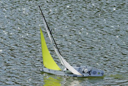 Reely Triumph 800 RC zeilboot ARR 800 mm