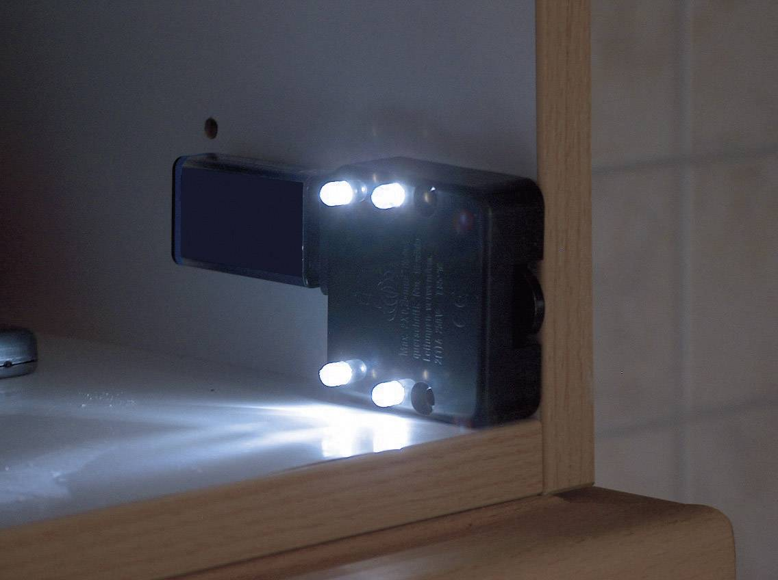 Inbouw kisttoets met geïntegreerde LED-verlichting | Conrad.nl