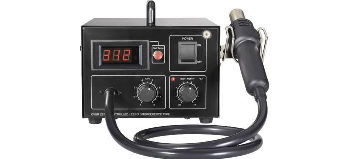 Elementy SMD są lutowane za pomocą gorącego powietrza.