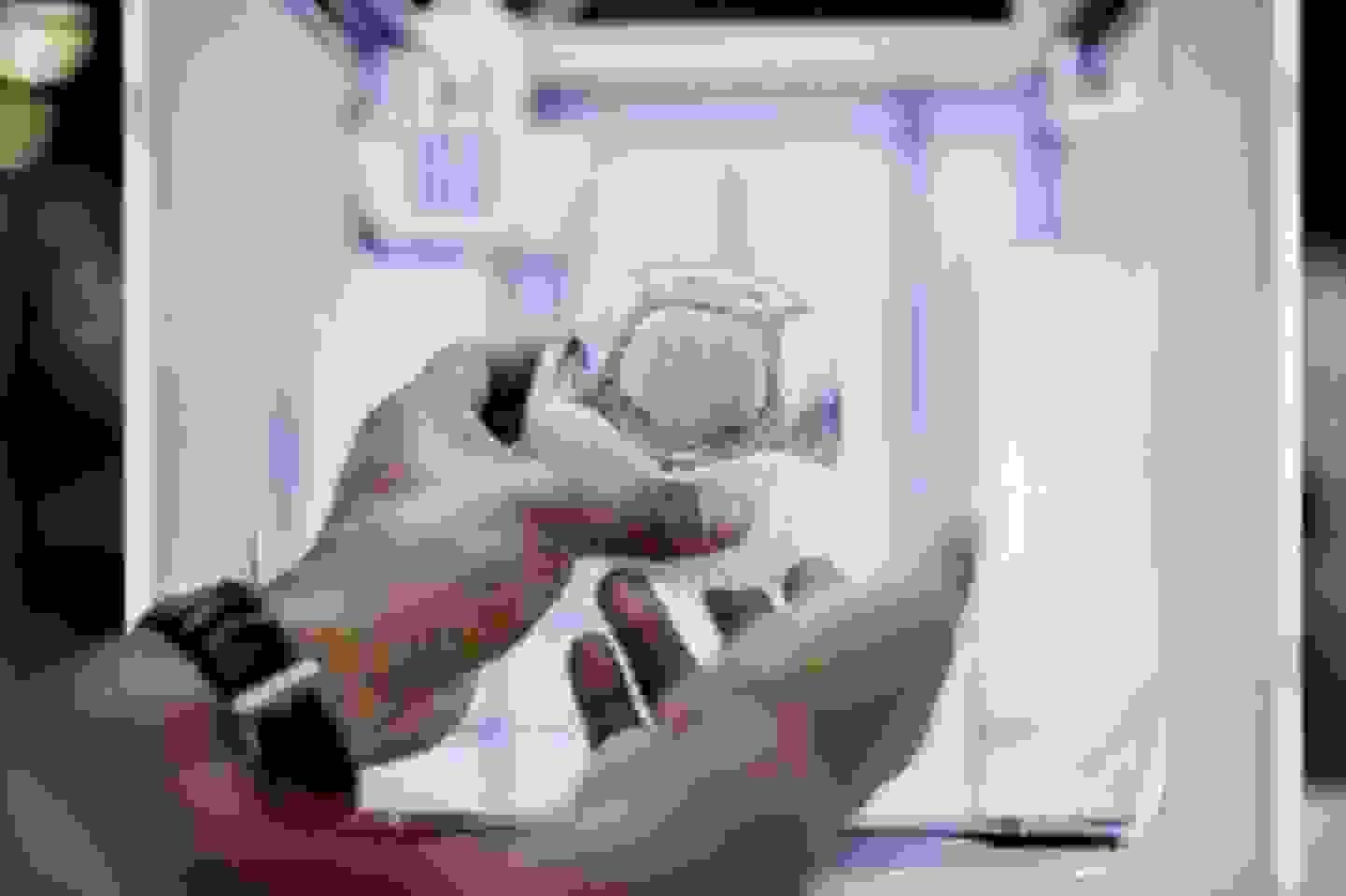 Modell aus dem 3D Drucker mit weißen Stützen