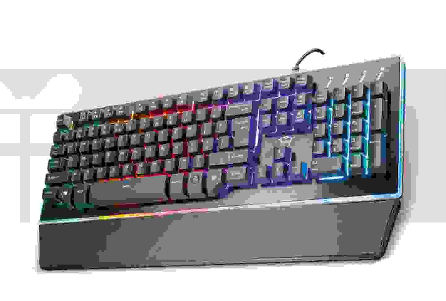 Trust - GXT 860 Thura Semi-Mechanical USB-Gaming-Tastatur Beleuchtet, Handballenauflage Deutsch, QWERTZ, Windows® Schwarz