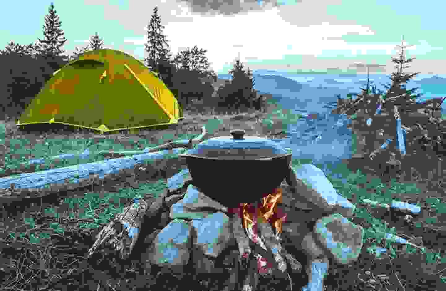 Sommer Outdoor Aktivitäten - Lagerfeuerstimmung »