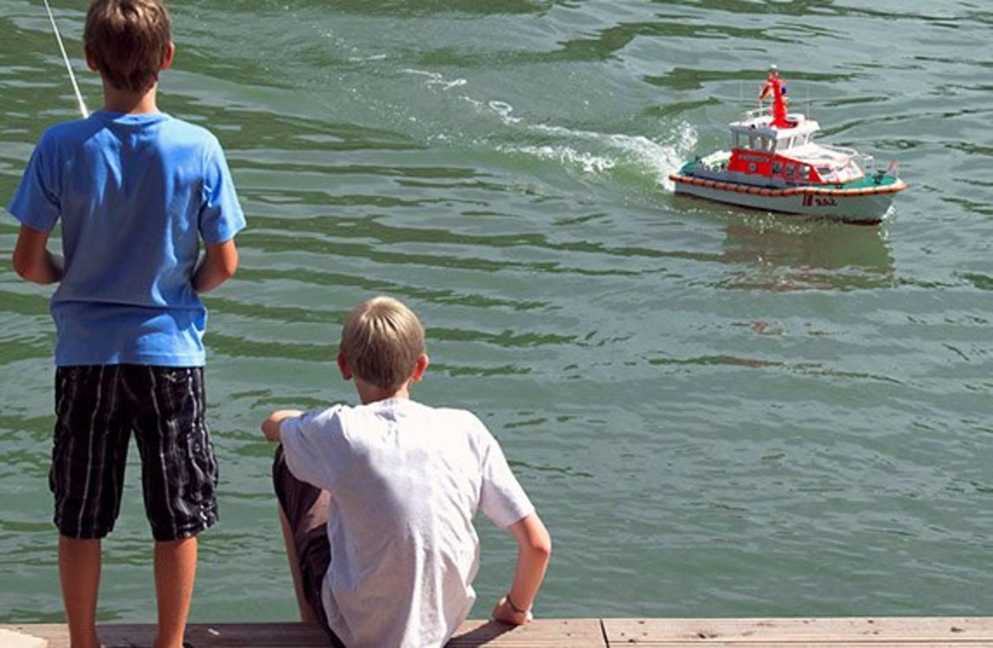 Fjernstyret båd