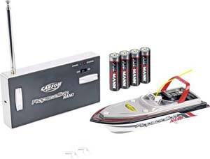 Remote-controlled boat with control and rechargeable batteries