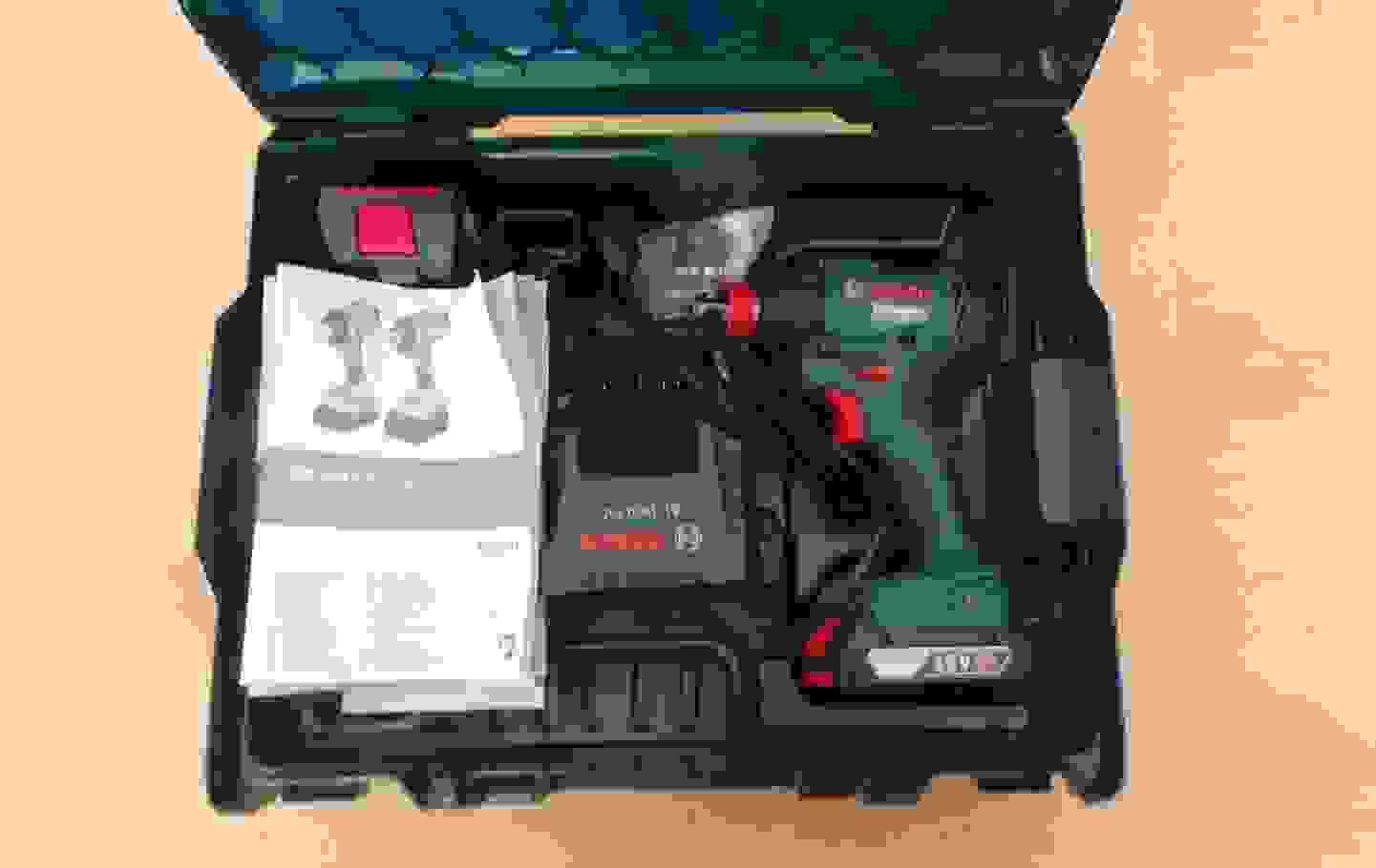 Inhalt (gefüllter Tragekoffer) Foto 2.jpg