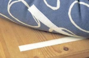 Teppichboden mit Klettband fixiert