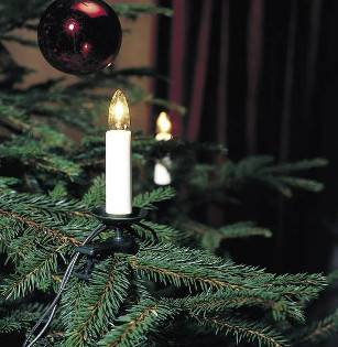 Lichterkette auf dem Weihnachtsbaum