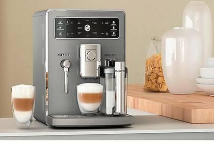 Machine à café automatique avec mousseur à lait